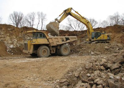 Moving 60 Tons of rock at Continental Cement